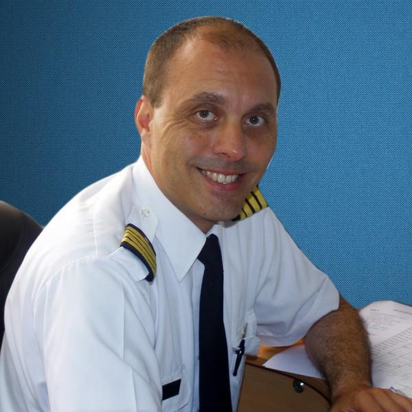 MICHAEL URIBE SOWA Jefe de Instrucción